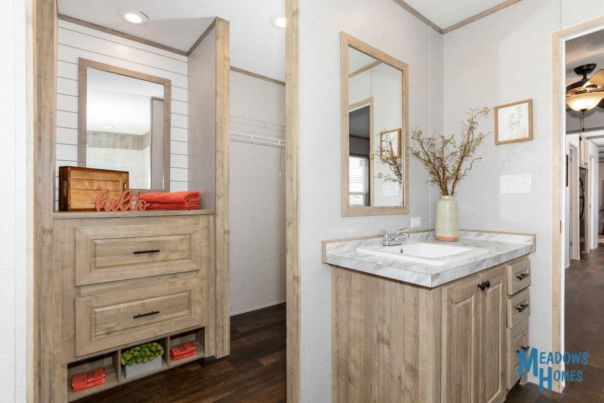 Master Bath & Walk-In Closets