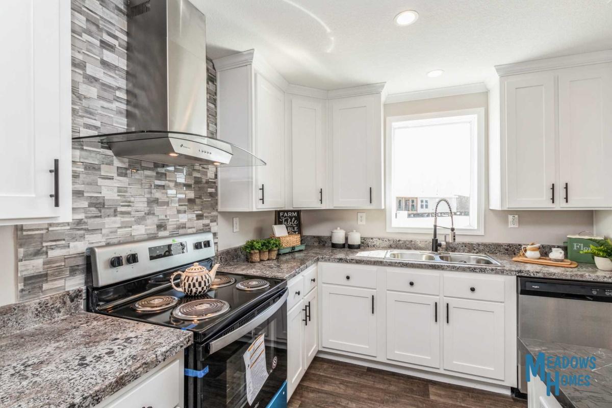 Island Kitchen & Ceramic Backsplash