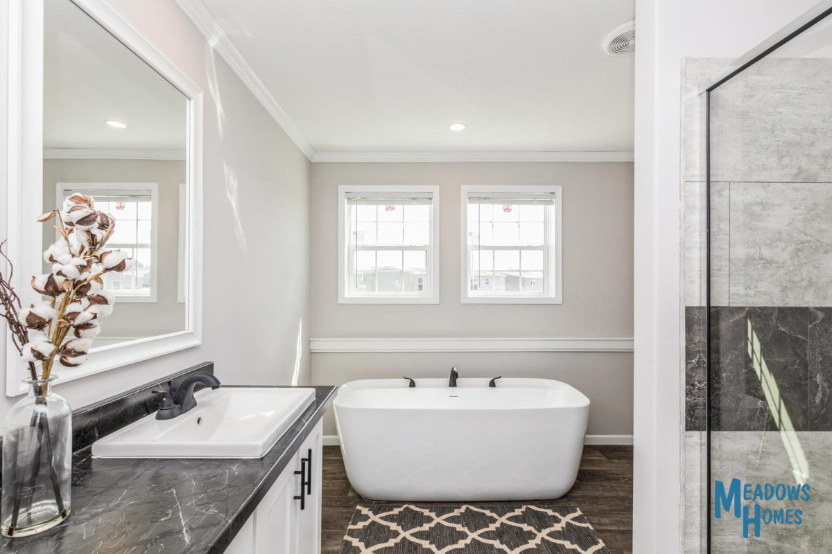 Master Bath & Freestanding Tub